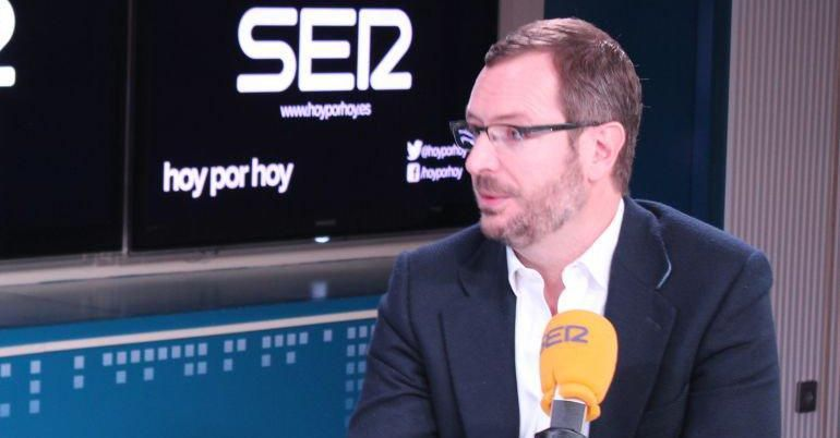 Javier Maroto, vicesecretario de Política Social y Sectorial del PP, en una imagen de archivo en los estudios de la Cadena SER