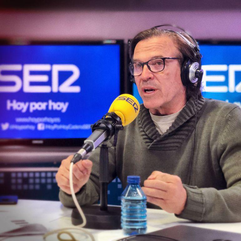 Pepe Navarro en los estudios de la Cadena SER.