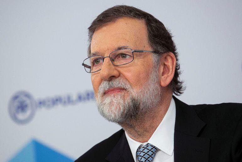 Fotografía facilitada por el PP, de su líder Mariano Rajoy, durante su intervención ante el Comité Ejecutivo Nacional del partido, en la que ha anunciado hoy que dejará la Presidencia de la formación y cumplirá su mandato hasta el día que el partido elija a su sustituto.