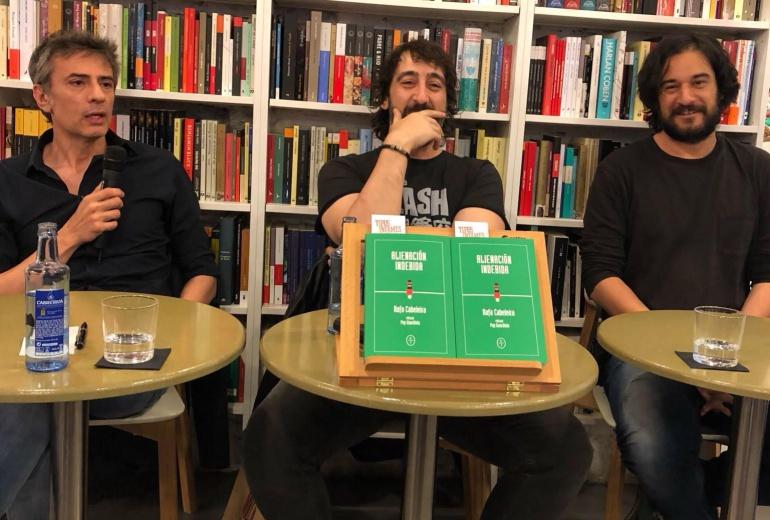 """Juan Tallón, Rafa Cabeleira y Manuel Jabois en la presentación de """"Alienación indebida"""""""