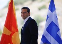 Grecia sale del agujero negro