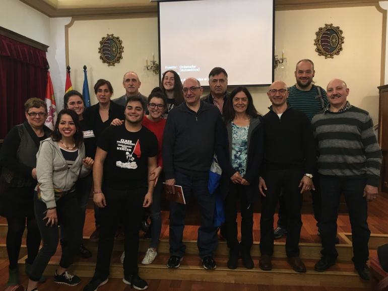 Los nietos de Francisco Romero le cuentan su historia a alumnos del IES Antonio Machado (Soria). I.E.S Antonio Machado