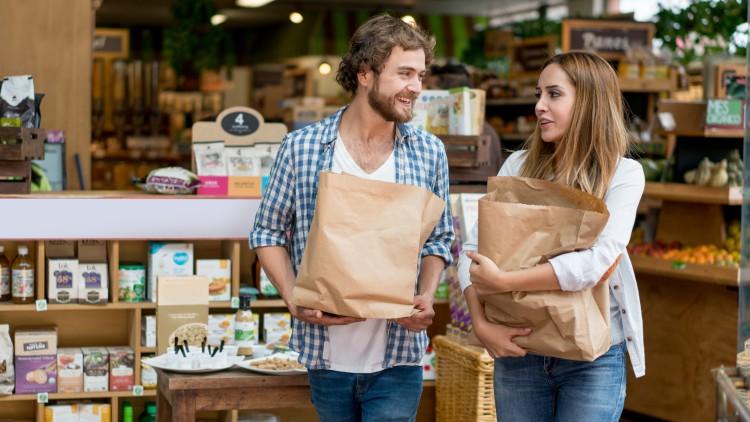 ¿Pueden sustituir las bolsas de papel a las de plástico?