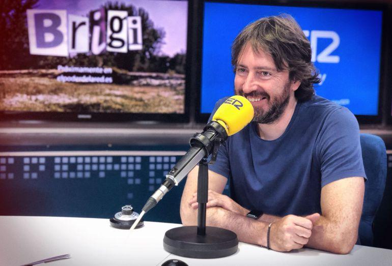 Daniel Sánchez Arévalo en los estudios de la Cadena SER.