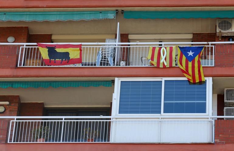 Banderas en balcones de Barcelona
