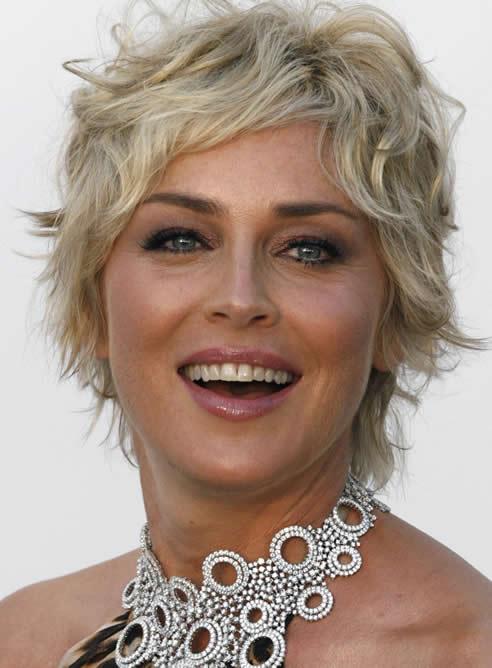"""Sharon Stone ha pedido disculpas por decir que el terremoto del 12 de mayo fue """"un castigo"""" por la represión china en el Tíbet,. A pesar de ello la actriz es ya persona non grata en el país asiático."""