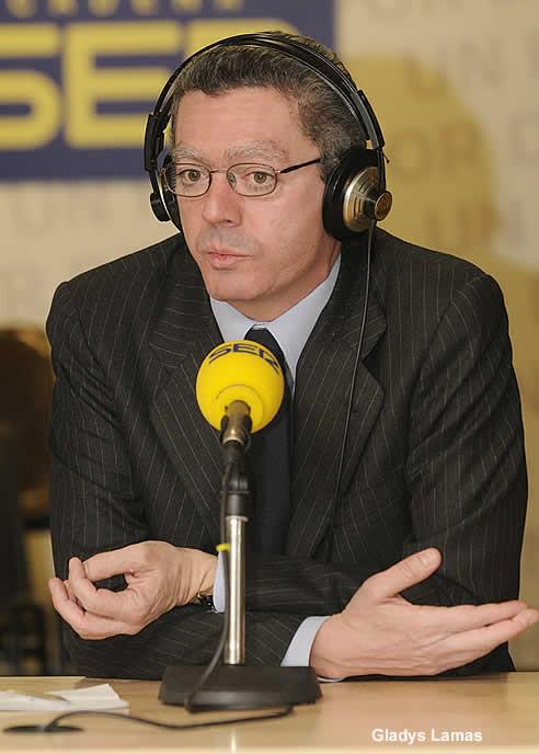 El alcalde de Madrid, Alberto Ruiz-Gallardón, en la Cadena SER
