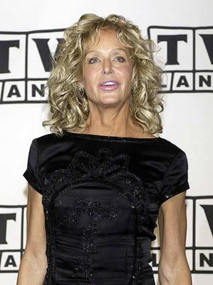 La ex estrella de la serie ''Los ángeles de Charlie'', de 62 años, fue hospitalizada el jueves, de acuerdo a la revista People. A Fawcett se le diagnosticó un cáncer de colon en septiembre de 2006