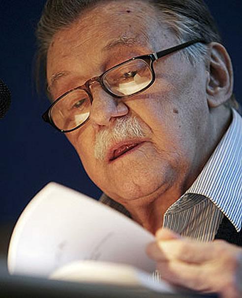 El escritor uruguayo Mario Benedetti ha fallecido este domingo en Montevideo a la edad de 88 años.