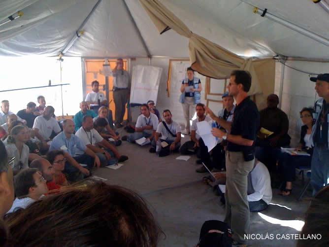El enviado especial de la Cadena SER a Haití, Nicolás Castellano, asiste a la reunión de la misión de la ONU en el país, la Minustah