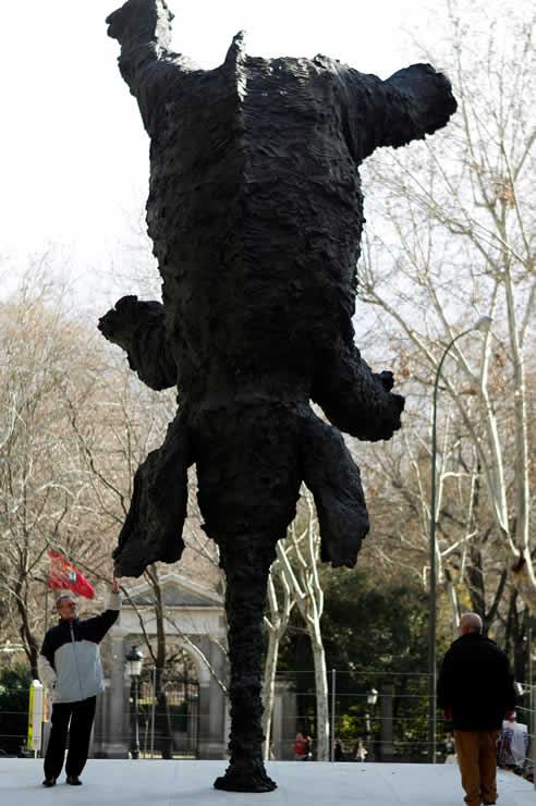 FOTOGALERIA: 'Gran elefante erguido', de Miquel Barceló