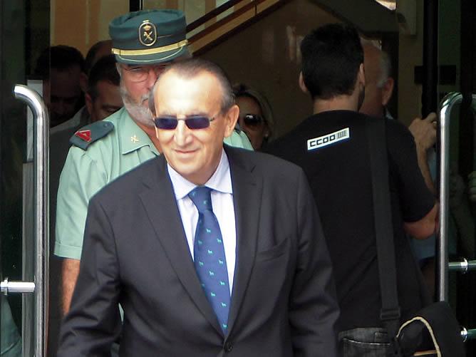 Carlos Fabra, a su salida de los juzgados en septiembre de 2010
