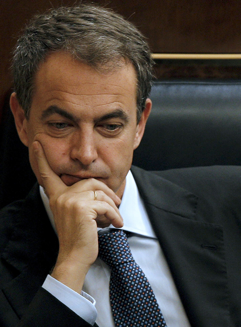 Zapatero cancela su viaje a la Cumbre Iberoamericana para aprobar las nuevas medidas económicas