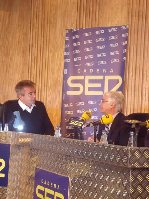 El presidente castellano-manchego entrevistado en 'Hoy por Hoy' a su paso por Toledo. - JOSÉ ALBERTO VALENCIANO