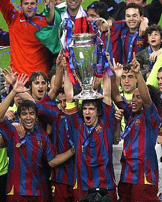 Puyol alza la segunda Copa de Europa del Barça