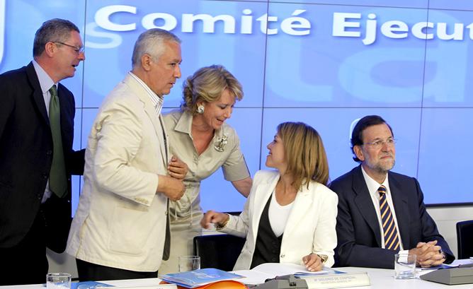 Gallardón, Aguirre y Arenas felicitan a Cospedal por su victoria en Castilla-La Mancha