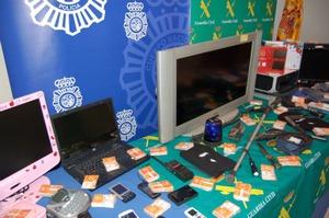 Operación Muleta: cae una banda especializada en el robo de telefonía móvil a gran escala