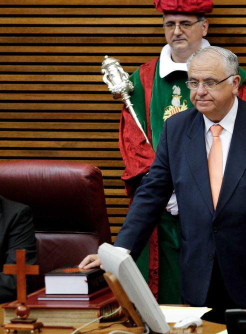 Juan Cotino jura su cargo como presidente de las Cortes Valencianas