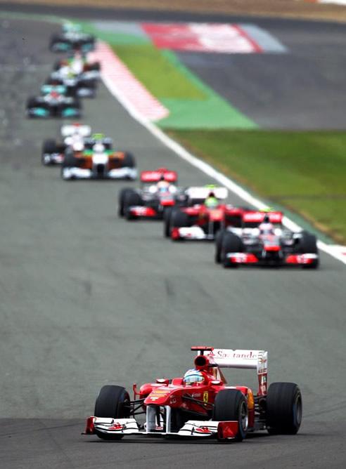 FOTOGALERIA: Fernando Alonso rodando primero en el GP de Gran Bretaña de Fórmula 1