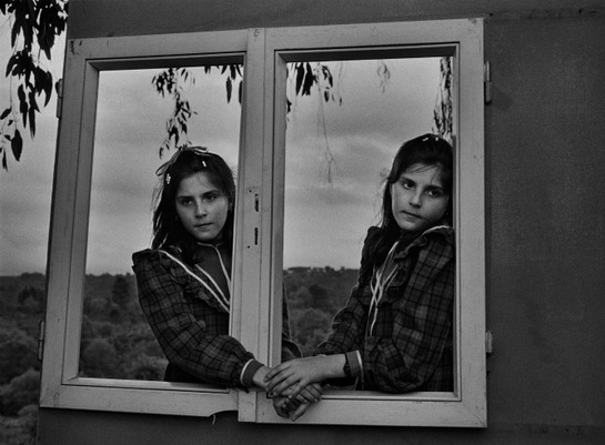 FOTOGALERIA: Ventana al aire. Amoeiro 1986 © Cristina García Rodero/Magnum Photos/Contacto