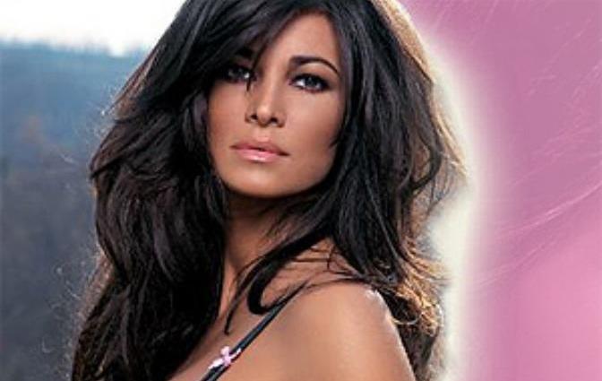 Manuela Arcuri, la actriz italiana con la que Berlusconi dice haber hecho un trio