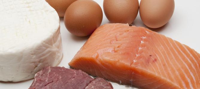 Los médicos alertan de las dietas 'milagro', como la Dukan, que se basan en cambiar las características metabólicas del cuerpo mediante un exceso de proteínas.
