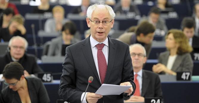 El presidente del Consejo Europeo, Herman Van Rompuy, durante su intervención ante el pleno del Parlamento Europeo en Estrasburgo