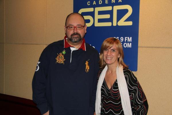 Carlos Ruiz Zafón junto a Gemma Nierga en La Ventana