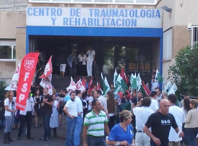 La sanidad canaria protesta en los centros y en la calle - Hospital nuestra senora de la candelaria tenerife ...
