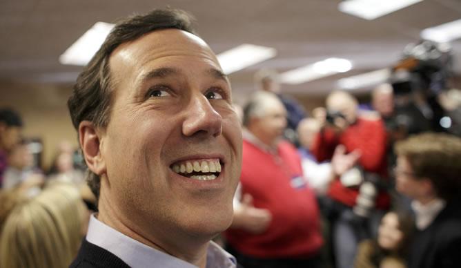 El candidato republicano Rick Santorum, durante un acto en Iowa