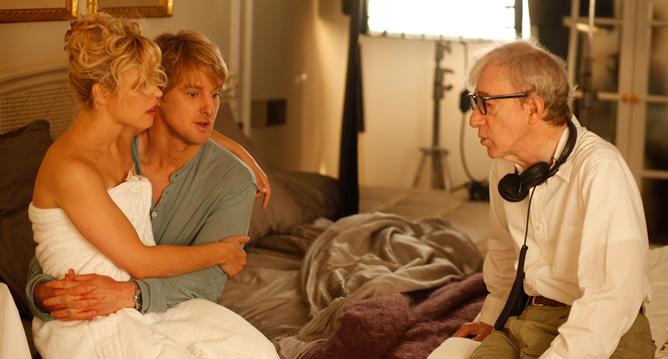 Woody Allen conversa con Owen Wilson y Rachel McAdams durante el rodaje de 'Midnight in Paris'