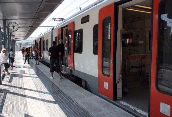 Imatge d'un tren dels Ferrocarrils de la Generalitat