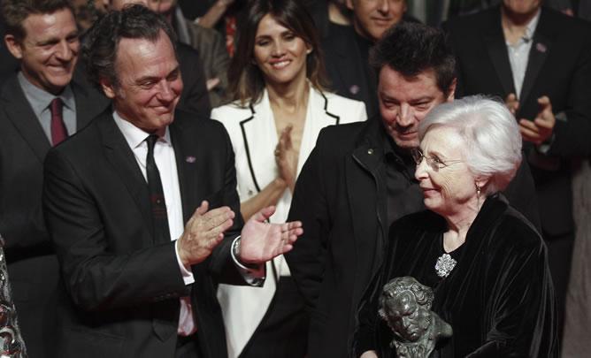 Josefina Molina recibe el Goya de Honor, que se entrega por primera vez en la fiesta de finalistas, un mes antes de la ceremonia oficial