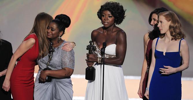 Viola Davis agradece el premio al Mejor Reparto para 'Criadas y señoras' ante el sindicato de actores