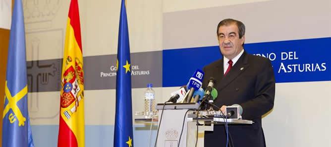 Álvarez-Cascos durante el anuncio del adelanto de las elecciones autonómicas en Asturias al 25 de marzo