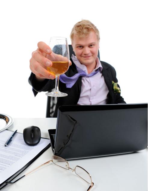 Facebook y Twitter son más adictivos que el alcohol y el tabaco
