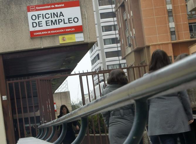 Oficina de Empleo en Madrid en una jormada en la que se ha conocido que el número de desempleados