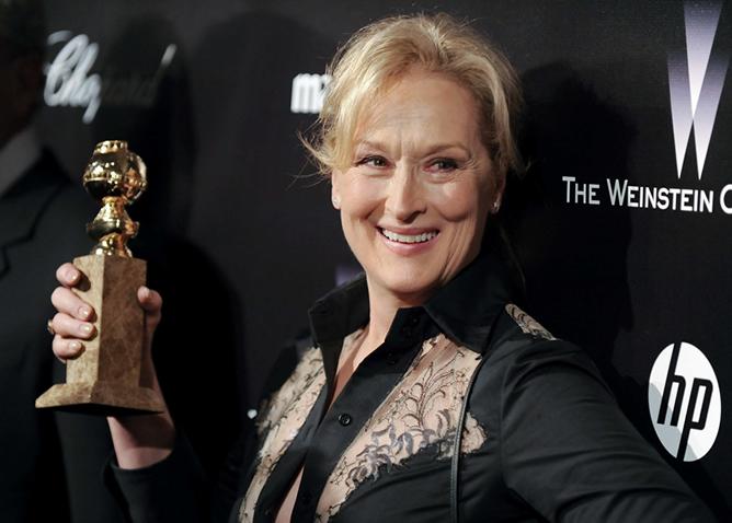 Meryl Streep posa con el Globo de Oro que ganó por 'La dama de hierro'