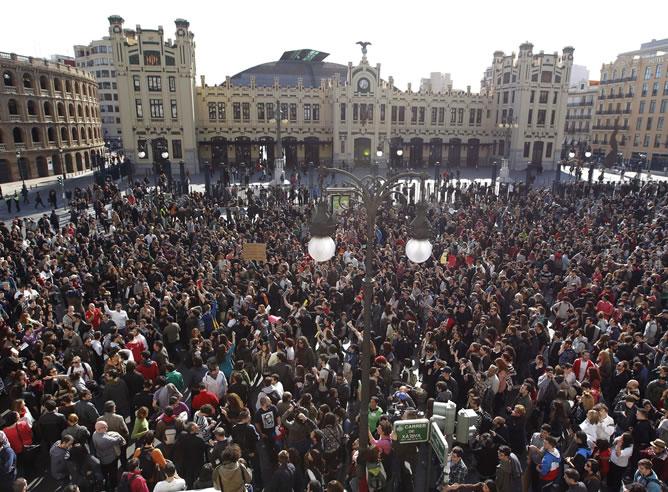 Manifestaciones en toda España en apoyo a los estudiantes de Valencia