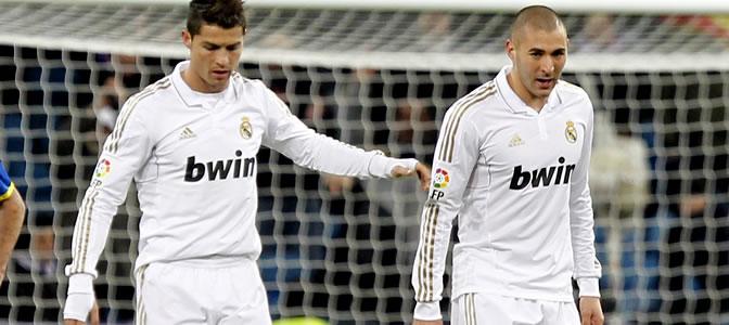 Cristiano y Benzema durante un partido