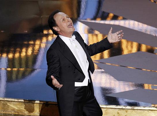 FOTOGALERIA: Billy Crystal canta en el arranque de la gala