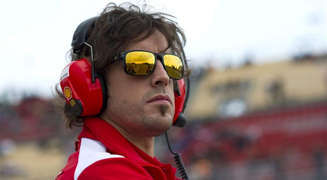 Fernando Alonso durante la tercera jornada de entrenamientos en Montmeló