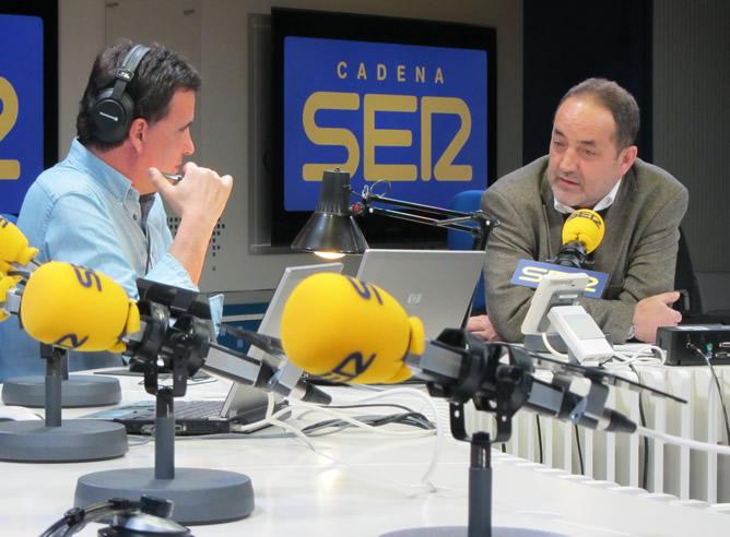 El máximo accionista del Zaragoza ha conversado con José Ramón de la Morena sobre su decisión de vender su paquete de acciones en el club.