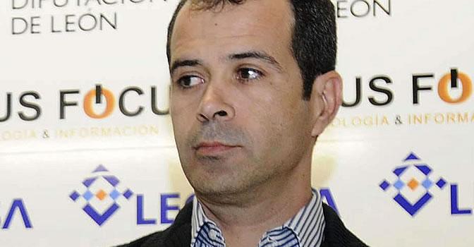 Álvaro Cervera, nuevo entrenador del Racing