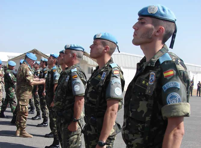 Cascos azules españoles en la base española de Marjayoun