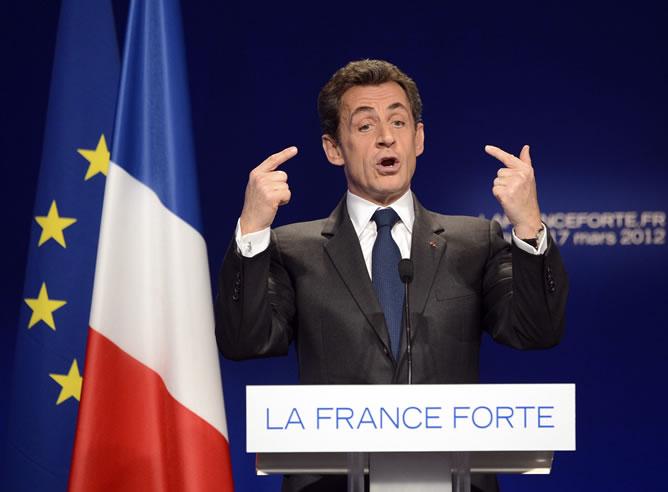 El Presidente de Francia y aspirante conservador a la reelección, Nicolás Sarkozy, habla durante un mitin de campaña en Lyon (EFE)