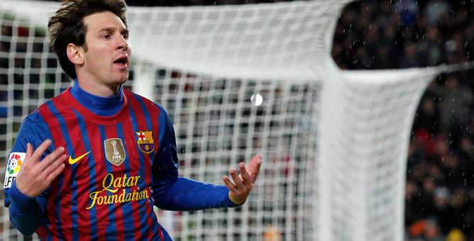 El argentino ha superado con sus tres goles al Granada el récord goleador del histórico César.