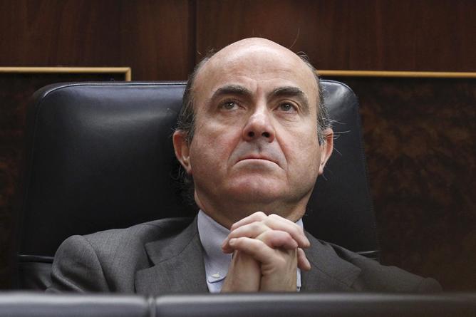 Luis de Guindos, este miércoles, durante la sesión de control al Gobierno en el Congreso