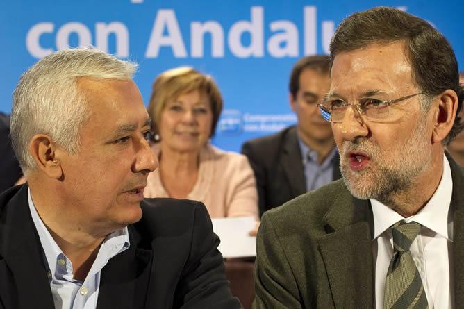 El presidente del Gobierno y del PP, Mariano Rajoy, ha presidido en Antequera (Málaga) la reunión del Comité Ejecutivo Regional de su partido en Andalucía