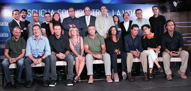Foto de familia de la presentación de la temporada 2011-2012 de la Cadena SER